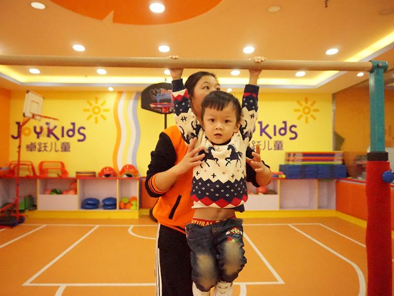 卓跃儿童运动馆加盟品牌儿童训练图