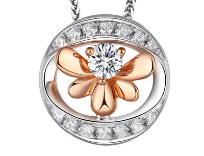 爱丽丝珠宝加盟 2、品牌优势 爱丽丝珠宝从香港到内地,走过了10余载,积累了大量的国内外珠宝行业生产经营优势,同时