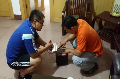 迷你影像馆加盟 8月23日河南商丘赵先生现场学习移动电源的使用2