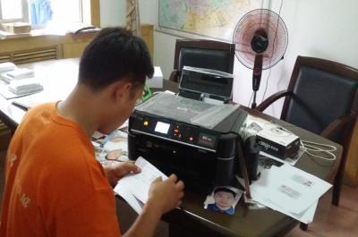迷你影像馆加盟 8月23日河南商丘赵先生现场学习智能影像输出系统的使用3
