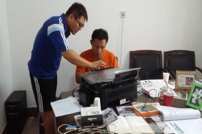 迷你影像馆加盟 8月23日河南商丘赵先生现场学习智能影像输出系统的使用1