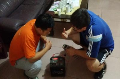 迷你影像馆加盟 8月23日河南商丘赵先生现场学习移动电源的使用3