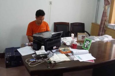迷你影像馆加盟 8月23日河南商丘赵先生现场学习智能影像输出系统的使用2