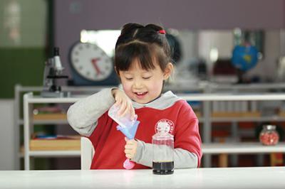 北大青鸟幼儿园加盟 科学小实验