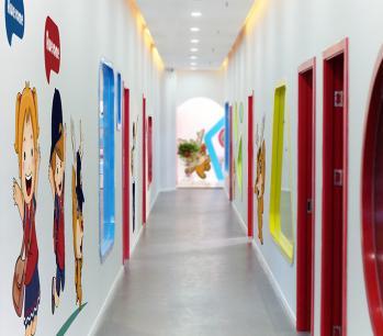 好集乐国际英语加盟 分校走廊实景照片