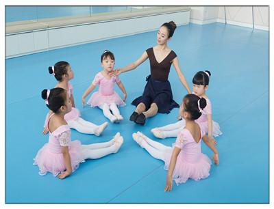 蒙斯坦国际教育加盟 美商艺术教学