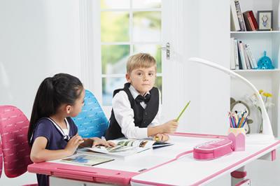 爱学习健康学习桌加盟 儿童学习桌