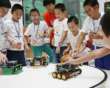 泺喜机器人加盟 店面展示