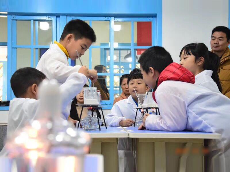 小牛顿加盟 小牛顿科学启蒙教育