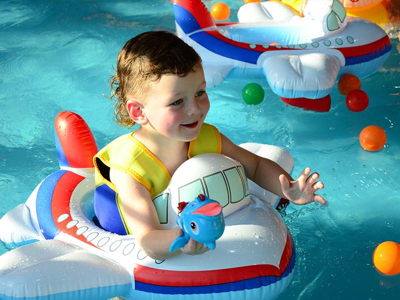 百贝高婴儿游泳馆加盟 1