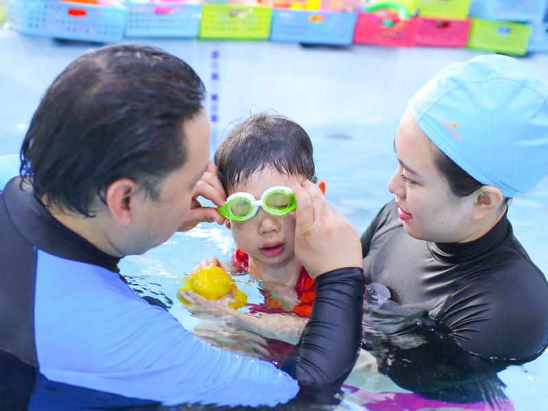 月儿湾母婴游泳早教加盟 1