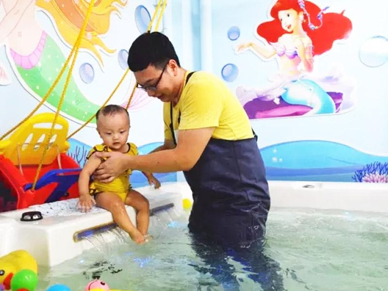 小鸭当家儿童水育加盟 1