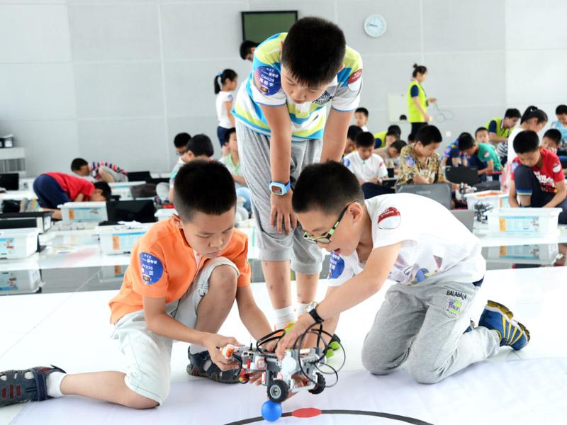 乐益达机器人创客教育加盟 产品图