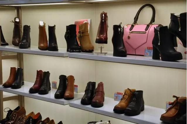 意尔康皮鞋加盟