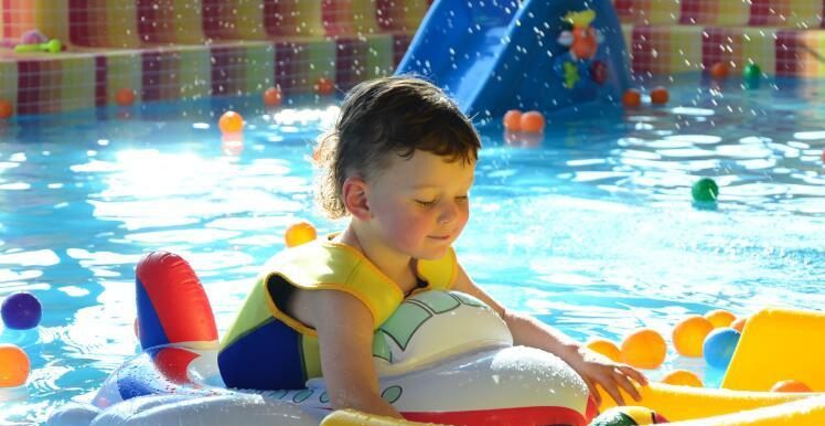 百贝高婴儿游泳馆加盟