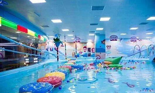 卡米熊婴儿游泳馆