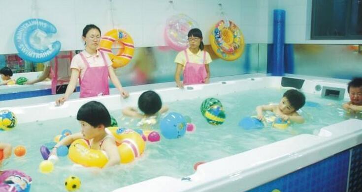 靓宝宝游泳馆加盟