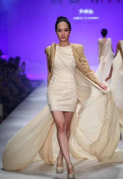 2012法国透明时装大赛