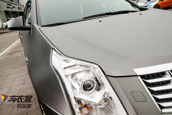 爵汽车服务中心凯迪拉克SRX汽车改色拉丝灰车身贴膜价格多少高清图片