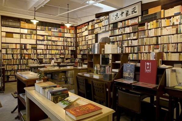 开家书店怎么样?小书店出奇制胜年赚百万!
