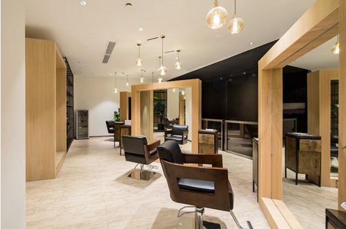 理发店加盟|朴素的机关大院里,开了一家现代自然的理发店