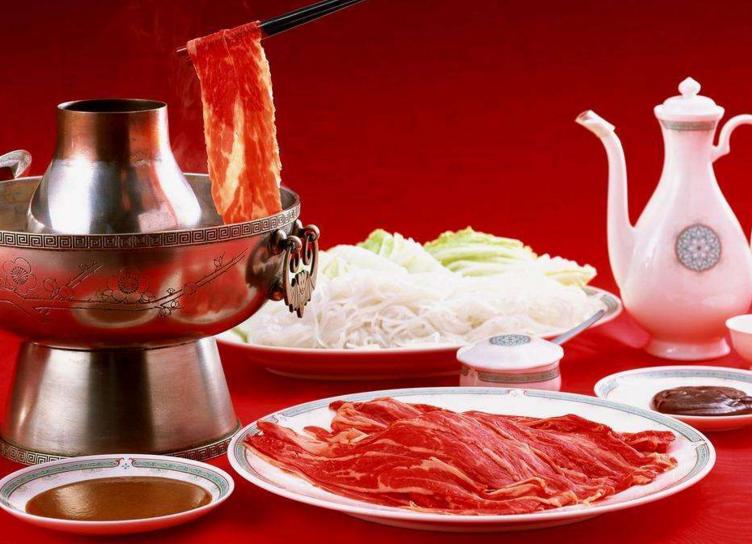 开一家特色火锅加盟店怎么样对口经营!