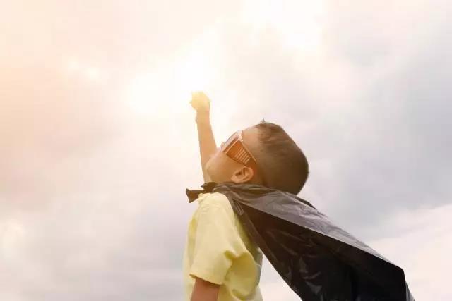 孩子不自信的几点表现,关系到孩子未来